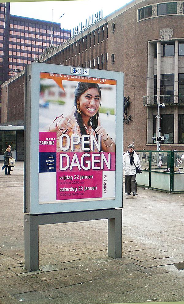 posters van een studente open dag